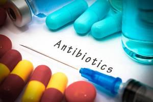 Нерациональное применение антибиотиков – одна из причин сложности лечения COVID-19