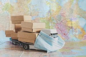 Безопасно ли заказывать доставку во время пандемии коронавируса? Правила закупки продуктов и общения с курьерами